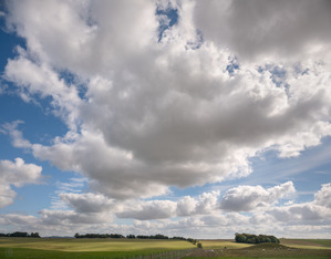 489 clouds over salisbury plain england.723.lightbox
