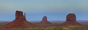 525 lunar eclipse three monuments arizona.740.lightbox