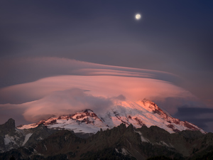 539 moonset over rainier washington color.749.lightbox